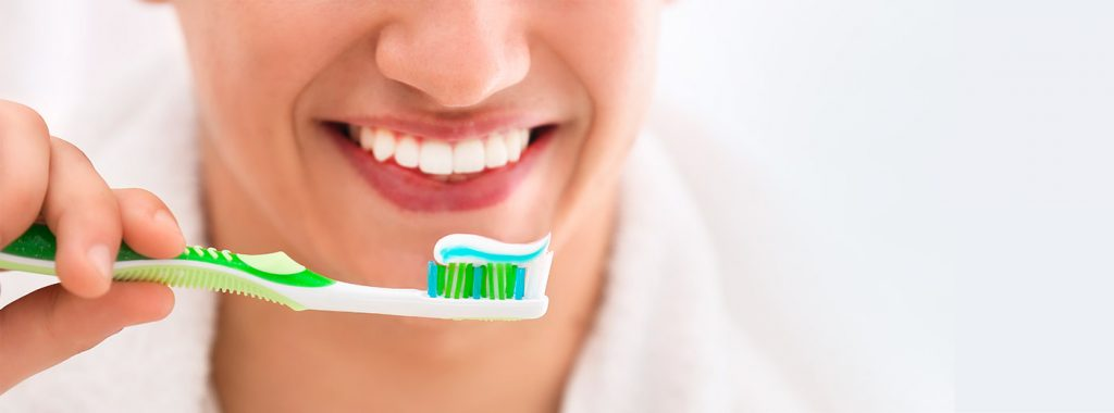 Saúde bucal: quais os melhores tratamentos para o mau hálito?