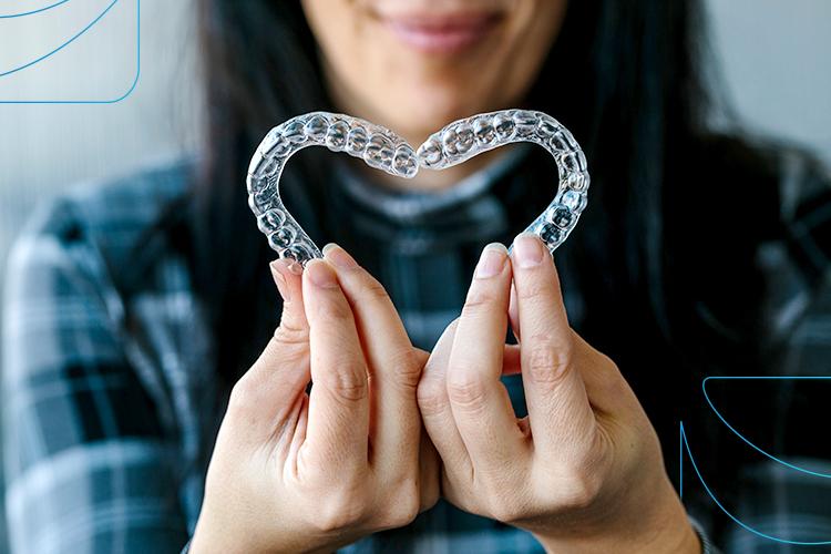 Alinhador transparente: conheça 7 benefícios do aparelho invisível