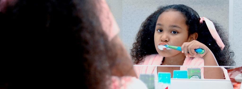 Dia das crianças: 6 dicas de cuidados da saúde bucal dos pequenos