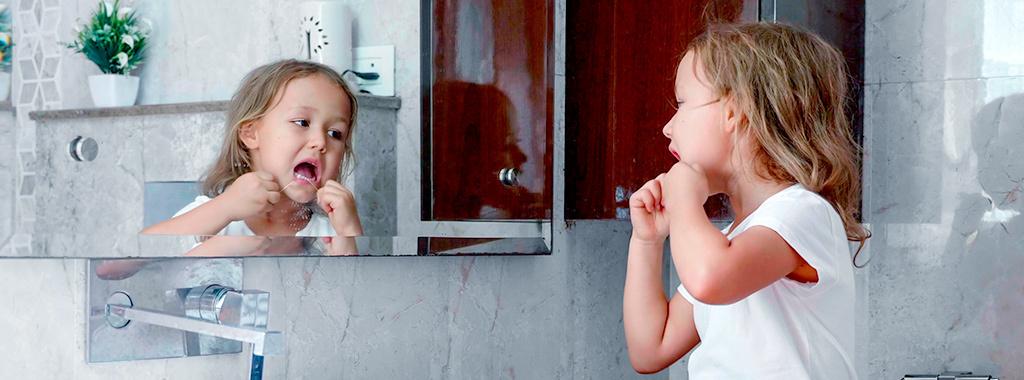 Veja a seguir algumas dicas simples e muito importantes para a saúde bucal das crianças.