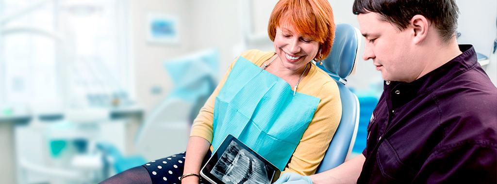 Sorria com mais segurança! Conheça os 4 passos do tratamento de implantes dentários